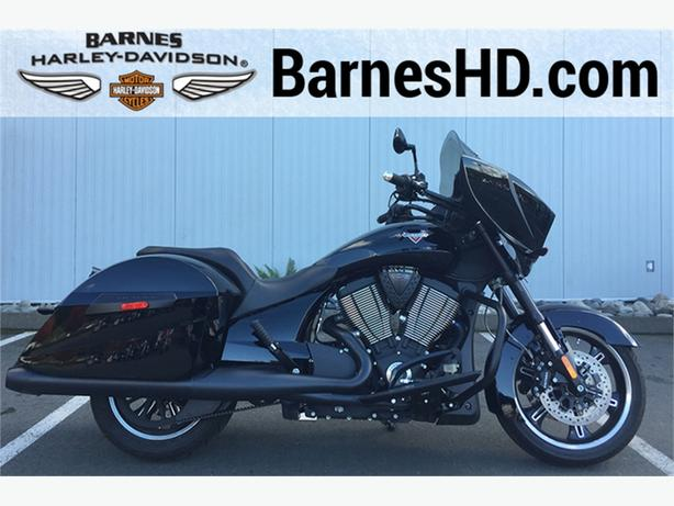 2014 Victory Cross Country 8-Ball® Gloss Black