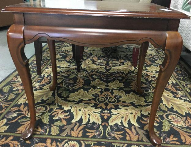 Long weekend sale used furniture boutique flea market for Consignment furniture clearwater