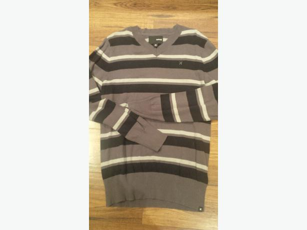 Mens Hurley Black/Grey/light grey sweater. Size Medium