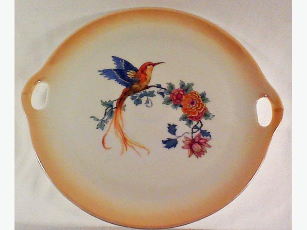 Czech hummingbird serving plate