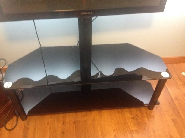 Glass TV stand lightly used *PRICE REDUCED*