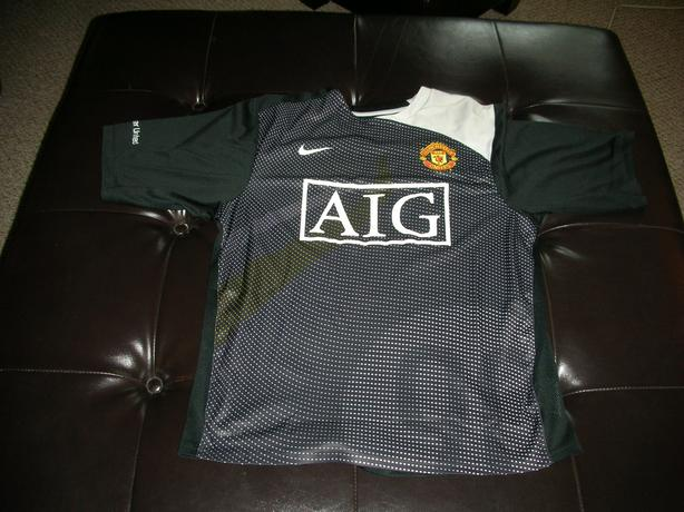 MANCHESTER UNITED BLACK JERSEY #0005
