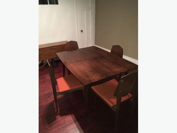 Dining table and set vintage - price negociable