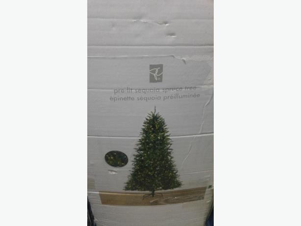 9 ft xmas tree pre lit