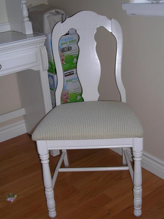 Bedroom furniture white quality saanich victoria for Q furniture abbotsford