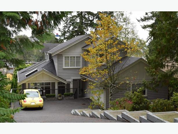 Lovely 3 bedroom house in North Vancouver Ref#718