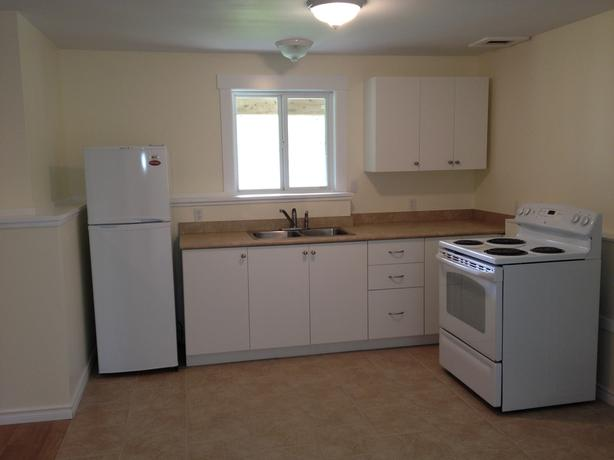 1 bedroom Suite w/laundry