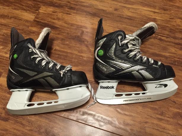 Youth size 1 Reebok hockey skate width D