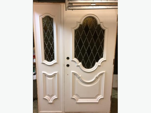 Front Door with Sidelight