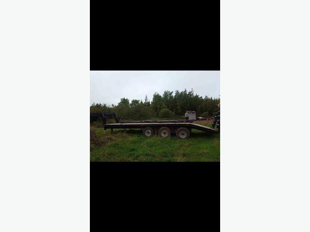 tri axle trailer with gooseneck