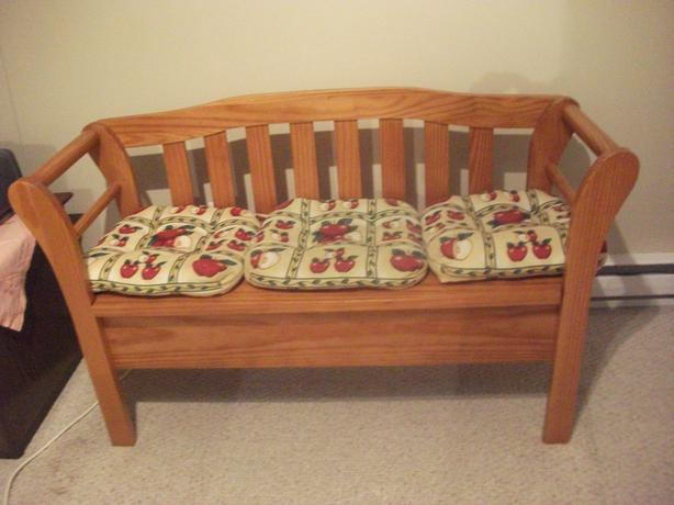 Lovely - Solid Deacons Bench