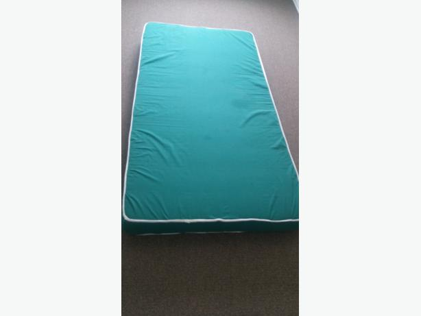 FULL SIZE SINGLE FOAM MATTRESS/39 INCHES WIDE/AND 74 INCHES LONG