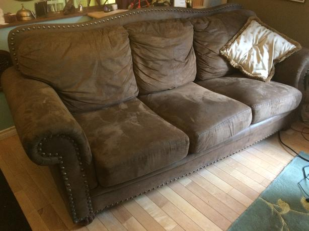 Older stylish brown couch
