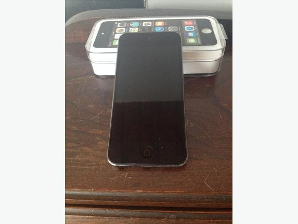 IPOD 5th Generation 16 GB