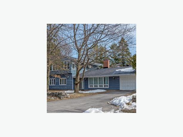 For rent - 9 Taunton Pl. , Ottawa, Ontario K1J 7J7