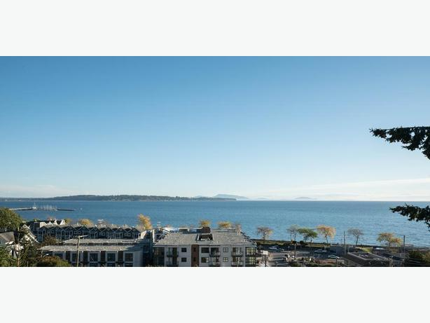 Updated Home with Ocean View in Beautiful White Rock