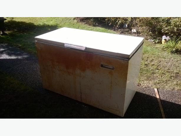 Large deep freezer, 17.5 cu. ft.