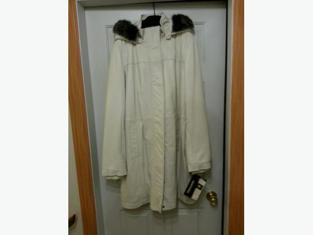NEW XXL Women's Danier genuine leather winter white parka ($399 original)