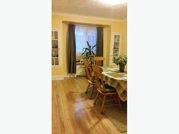 Beautiful 2nd floor of a duplex in CDN/NDG Large 51/2