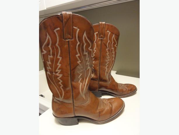 men's size 9 cowboy boots