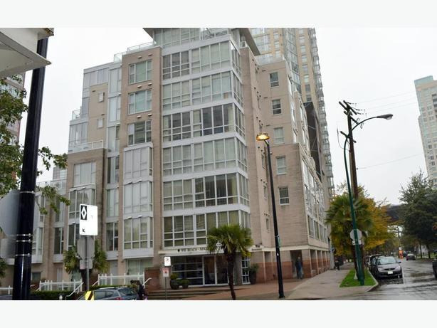 Beautiful Furnished Studio Condo in West End on Beach Avenue Ref#719