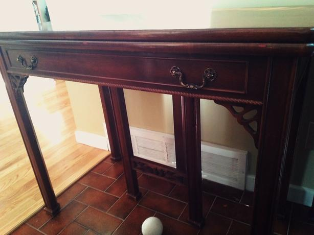 Expanable Gate Leg Table