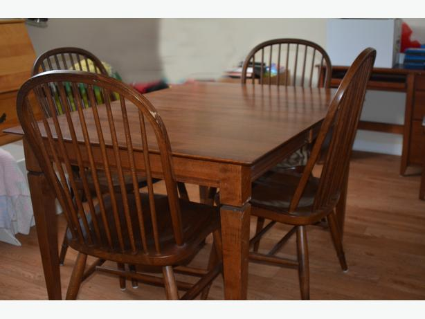 Walnut Dining Table & 4 Chairs