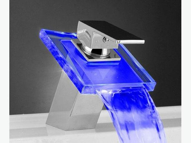 BNIB Water Temperature LED Faucet