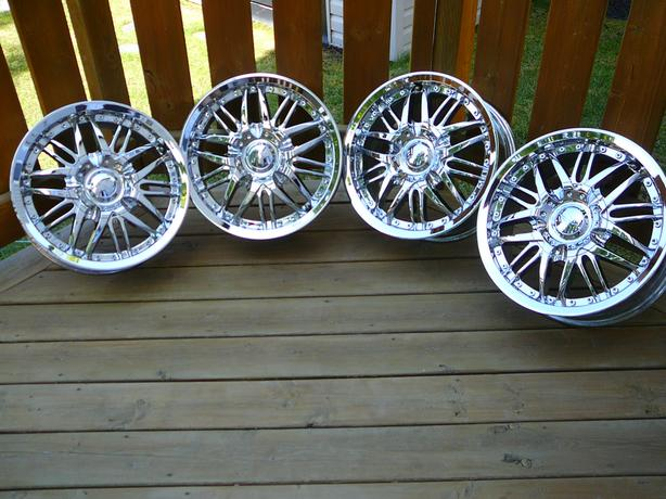 "16"" Chrome Rims"