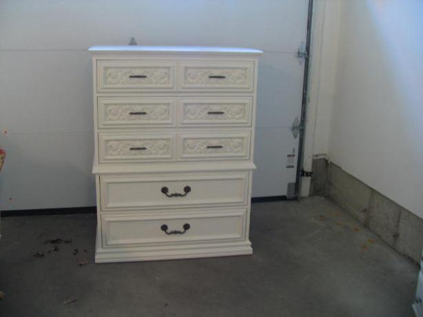 Tall boy chabby chic dresser (high quality)