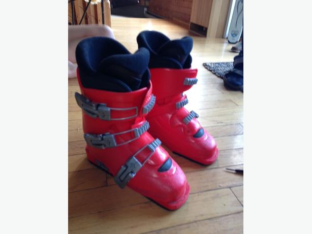 Youth Rossignol ski and boots