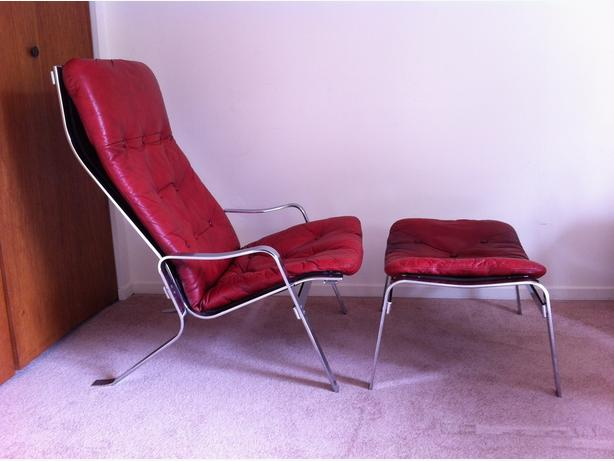 Retro Leather Chair and Ottoman