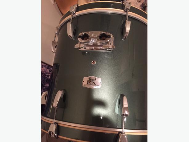 Pearl Export Series Kit - 5 drums, hardware Sabian B8 cymbals