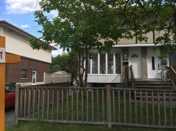 Elmvale Acres - 3 +1 bedroom, 3 full bath.
