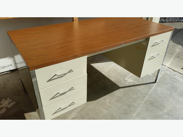 Large Steel Desk - **Excellent Condition**