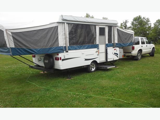 2009 Coleman Pop Up Camper