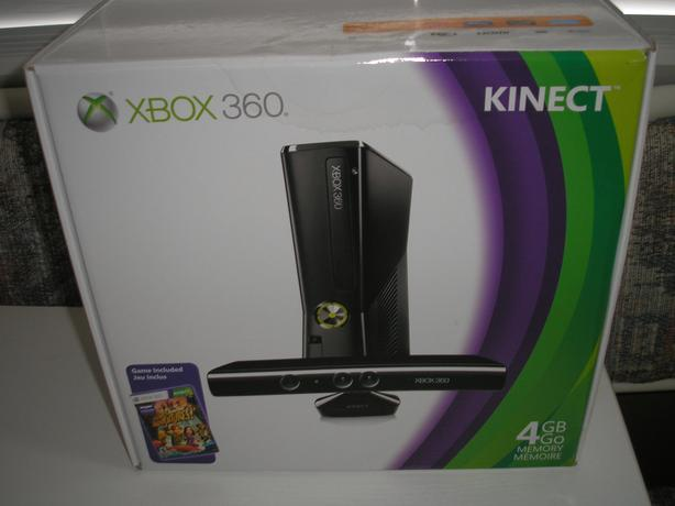 Xbox 360 4GB with Kinect Edition