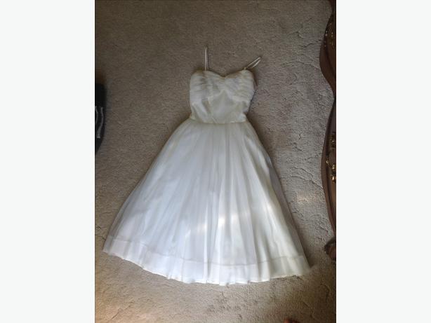 RETRO Tea Length Crinoline dress
