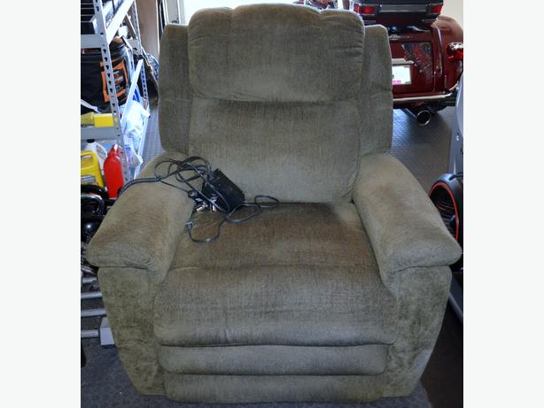 POWER-LIFT RECLINER with HEAT