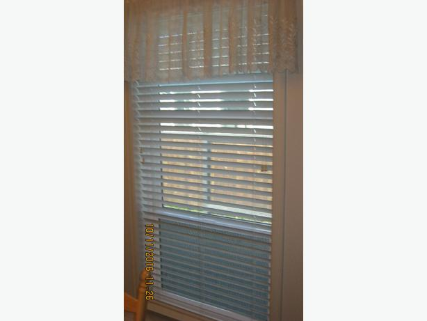 6 SETS WHITE VENETIAN BLINDS |(CHEMAINUS)