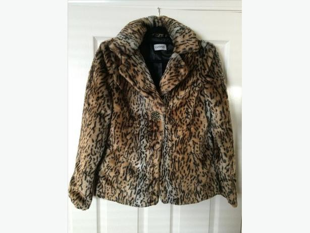 Woman's leopard print fake fur jacket
