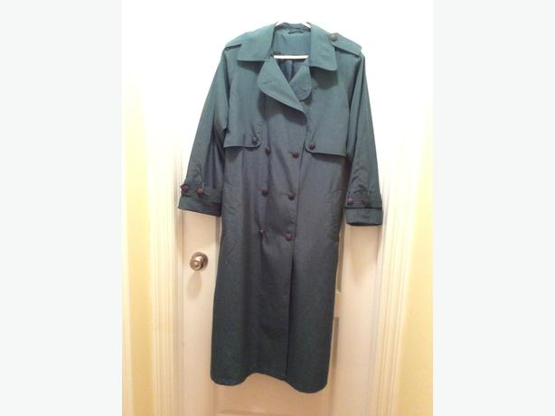 LADIES  EMERALD GREEN ALL WEATHER COAT