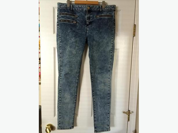 Woman's super soft high waisted skinny jeans