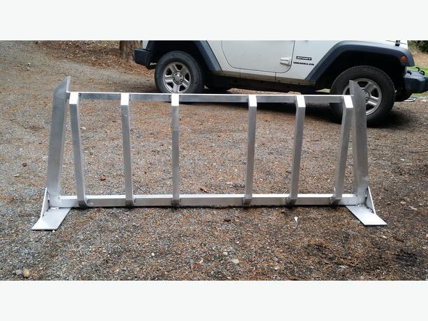 Custom aluminum headache rack