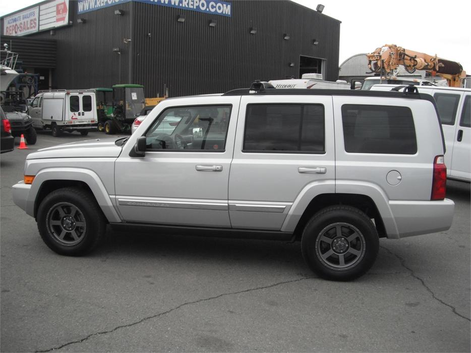 2010 jeep commander sport 4wd 3rd row seating outside comox valley campbell river. Black Bedroom Furniture Sets. Home Design Ideas