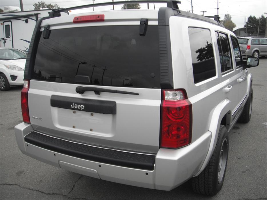 2010 jeep commander sport 4wd 3rd row seating outside comox valley comox valley. Black Bedroom Furniture Sets. Home Design Ideas