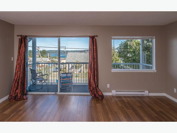 Superb 3-Bedroom 1-Bath Condo, Ocean View, South Nanaimo AVAIL NOV. 1st