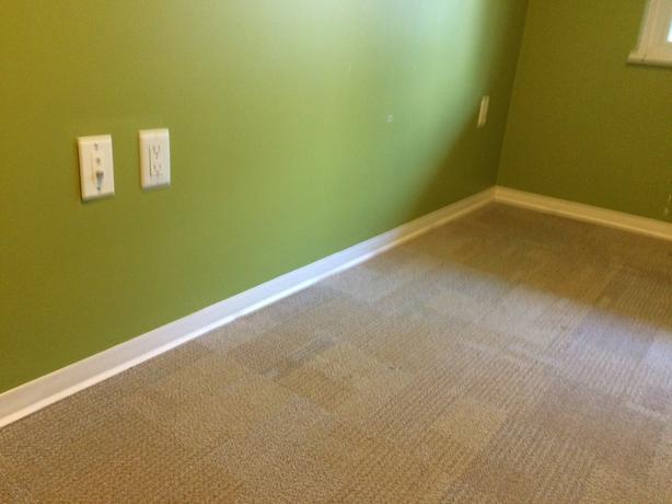 350 SQFT. Easy Install Carpet Tile**Nearly New - $250 (