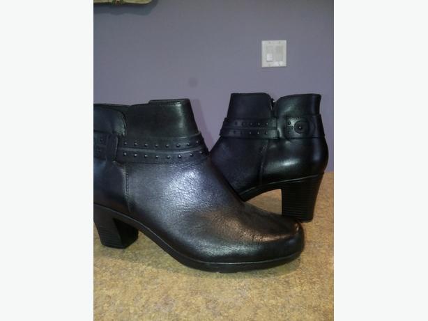 Clark's Black pant boot