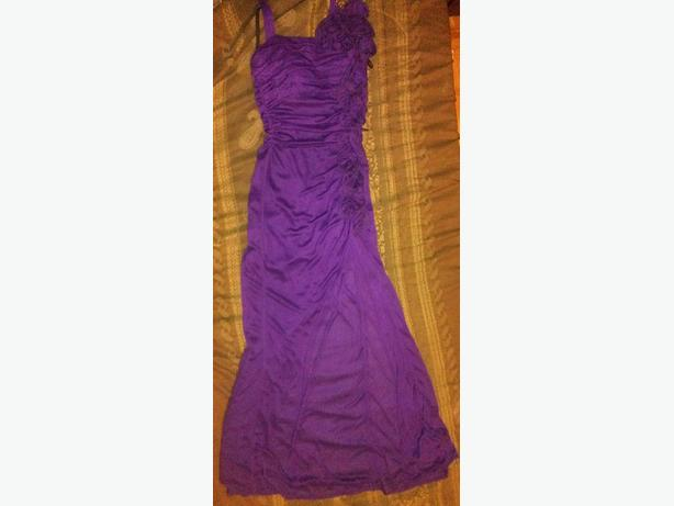PURPLE COLOURED GLAMOUR GOWN